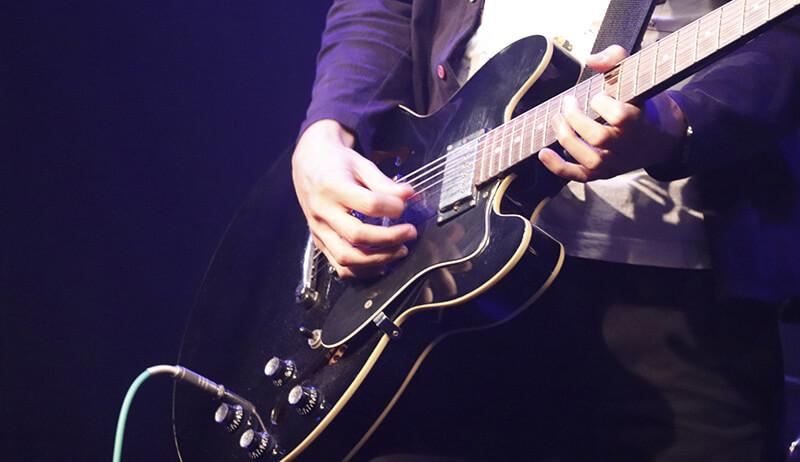 楽器演奏コース(ピアノ・ギター・ベース)のイメージ